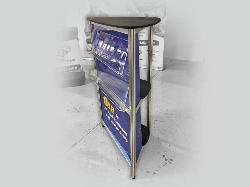 demande spéciale pour un comptoir avec tablette en extrusion d'aluminium octanorm