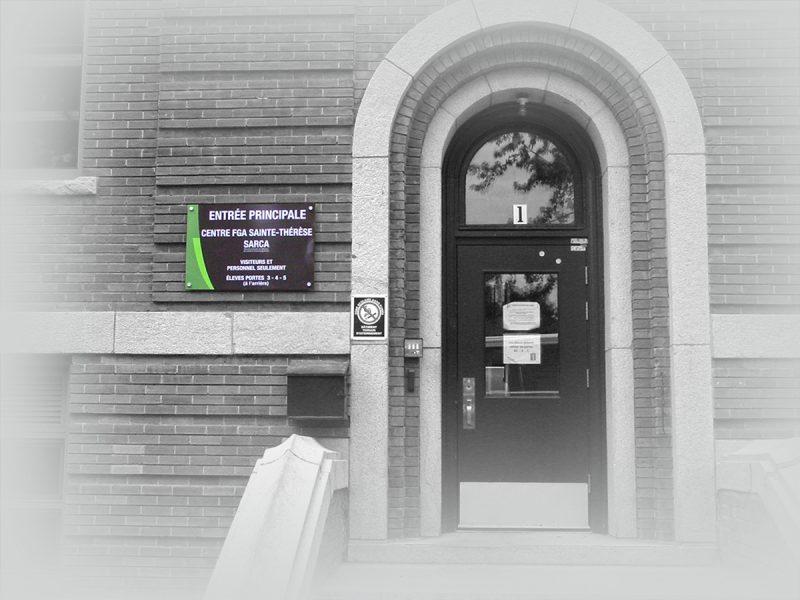 panneau mural de signalisation extérieur pour une école