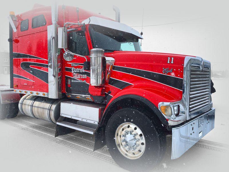 lettrage décoratif fait pour un camion de transport