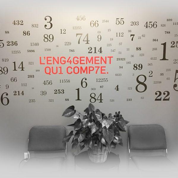 conception d'un décor de salle d'attente réalisé avec une murale