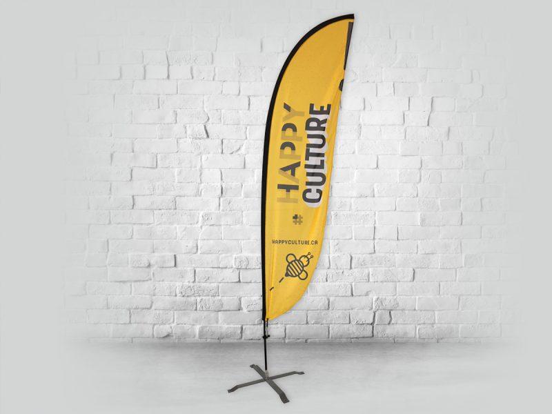 drapeau beach-flag avec une forme de plume et son support