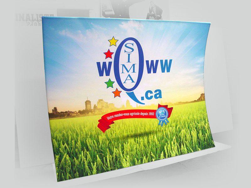 production d'un stand portable backwall pour un salon d'exposition agricole