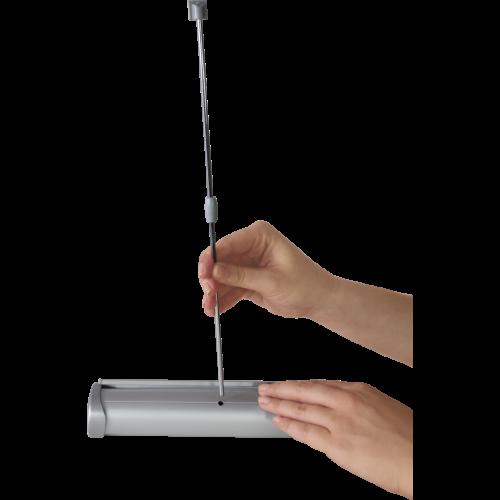 insertion de la pole du mini roll-up